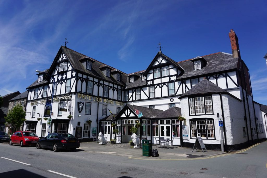 The White Lion Royal Hotel, 61 High Street, BALA. LL23 7AE